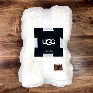 UGG Olympia Chenille Knit Throw Blanket